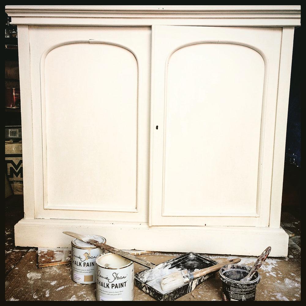 Bookcase-white-base