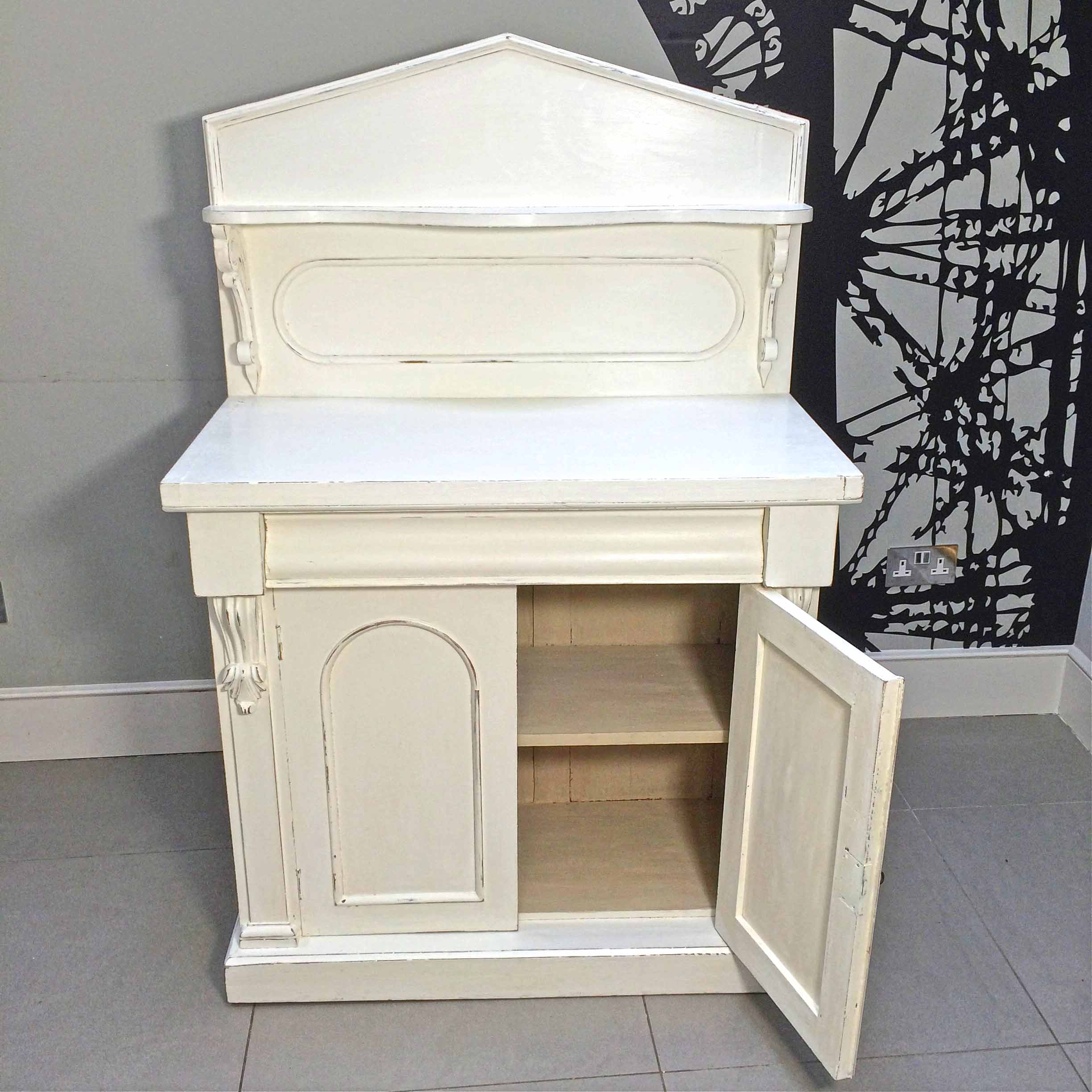 chiffonier vintage perfect chiffonier vintage with. Black Bedroom Furniture Sets. Home Design Ideas
