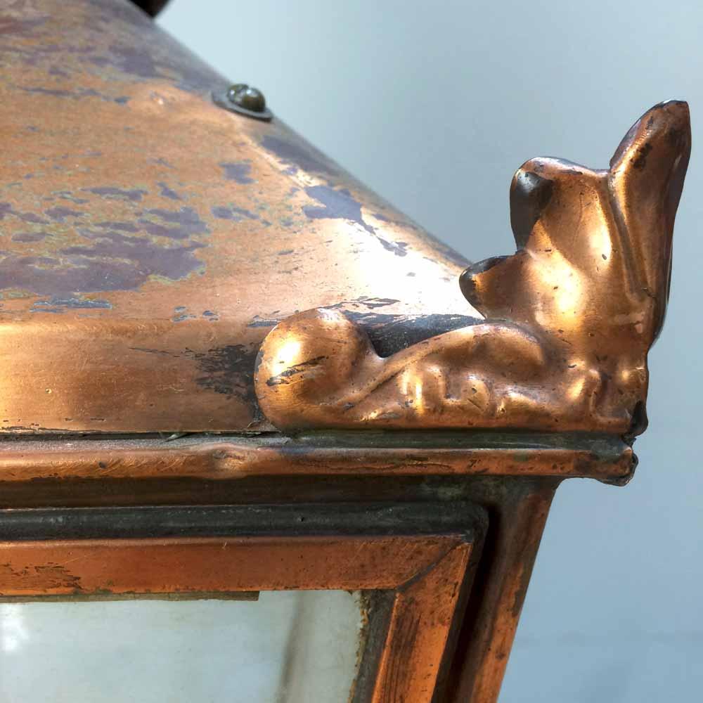 Gaslight corner right detail