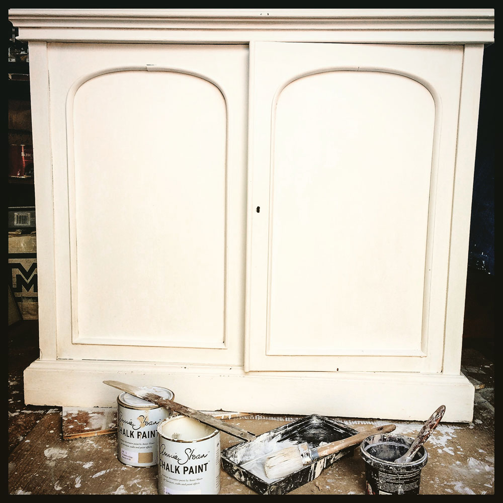 Bookcase-white-base