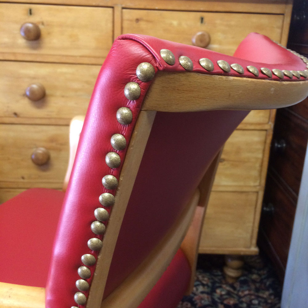 Upholstery-retro-chair-studding