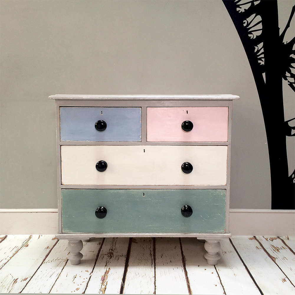 Painted Furniture|shabbychic|shabbydecor|chalkpaint|anniesloan|chest|drawers |chestofdrawers